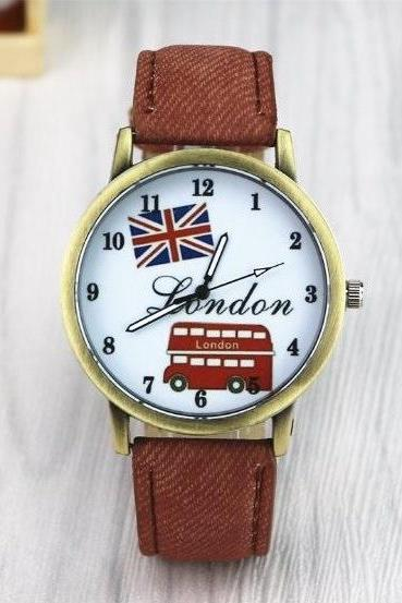 Handmade Vintage London Bus Face Leather Watchband Unisex Wrist Watch For Men Lady Retro Round Quartz Brown