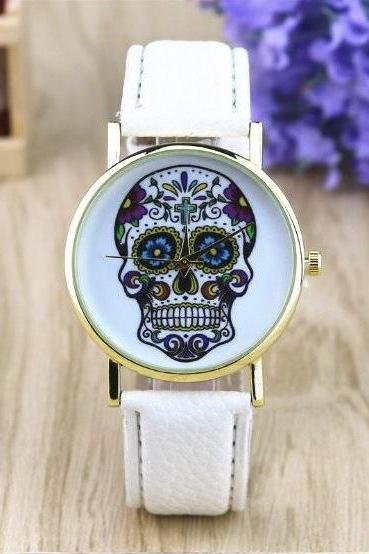 Suger Skull Face Leather Watchband Unisex Wrist Watch For Men Lady Retro Round Quartz White
