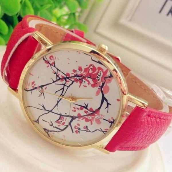 Plum Blossom Watch Retro Quartz Watch Leather Band Unisex Wrist Watch For Men Lady Retro Round Quartz Watch Red
