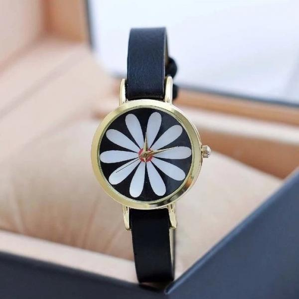 Chrysanthemum Watch Retro Quartz Watch Leather Band Unisex Wrist Watch For Men Lady Retro Round Quartz Watch Black